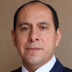 Dr. Martin  Camacho