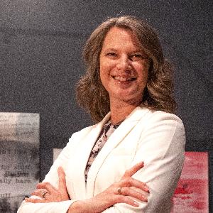 Teresa  Robertson